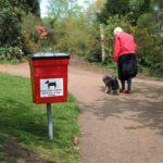 Una città più pulita con i contenitori per deiezioni canine.