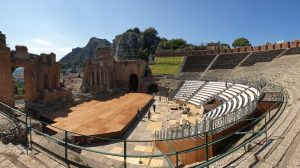 Il Teatro Antico di Taormina si rinnova insieme a Holity!